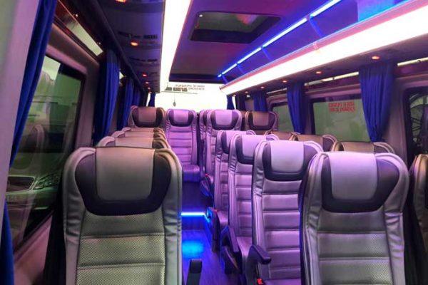 interior-mini-bus-mercedes-web-baixa